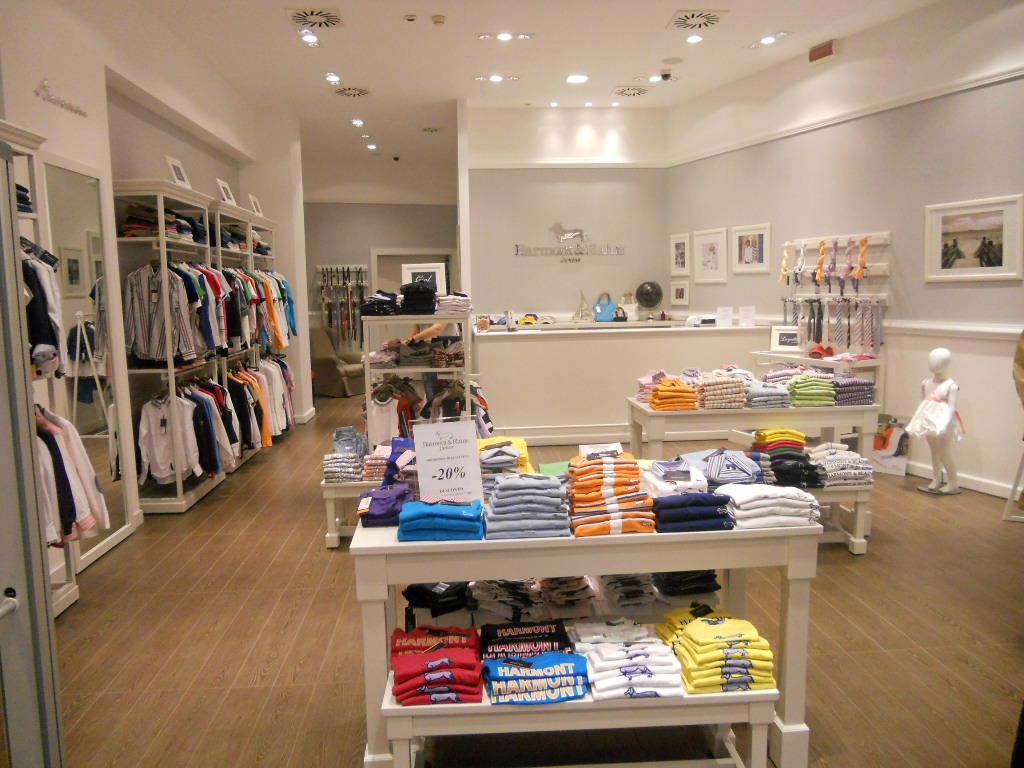 Harmont & Blaine Outlet Store - Casual Outlet